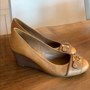 Tory Burch camel leather close toe wedge pumps